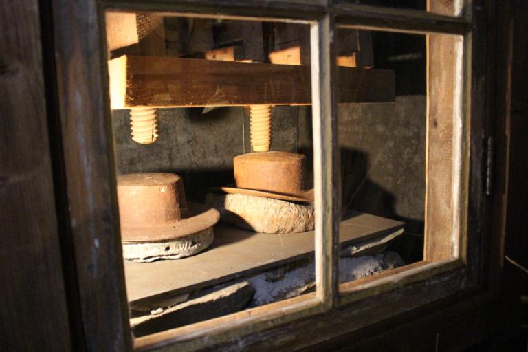 Hattpress från presshus där man pressade hattar